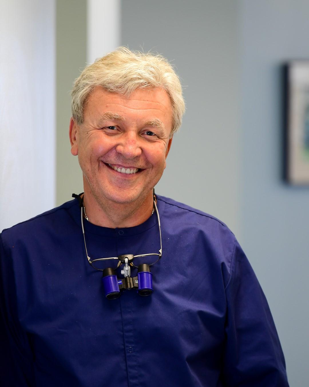 Dr. Vladimir Hutsulak